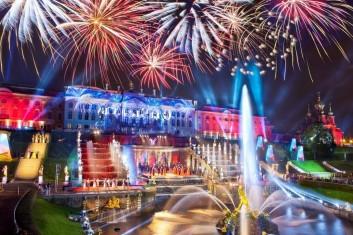 Петербургский экспресс. Праздник открытия фонтанов в Петергофе
