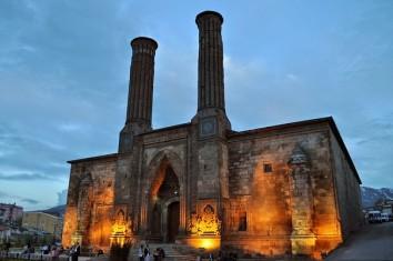 Тысяча и одна ночь: царство Шахерезады