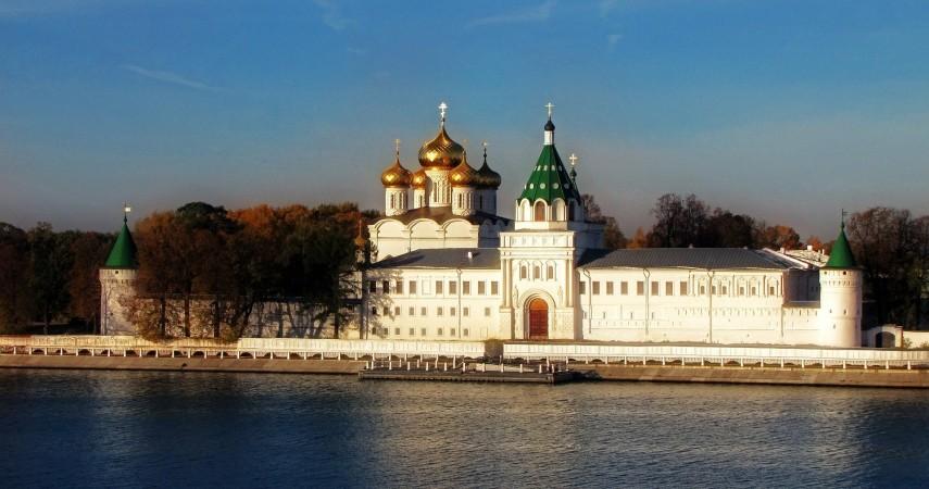 Автобусные экскурсии в Кострому